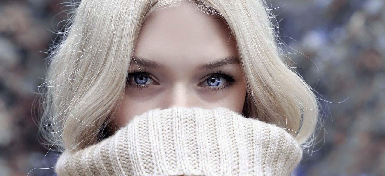 Mujer Rubia Ojos Azules Revista LSDD Secretos de Dorian